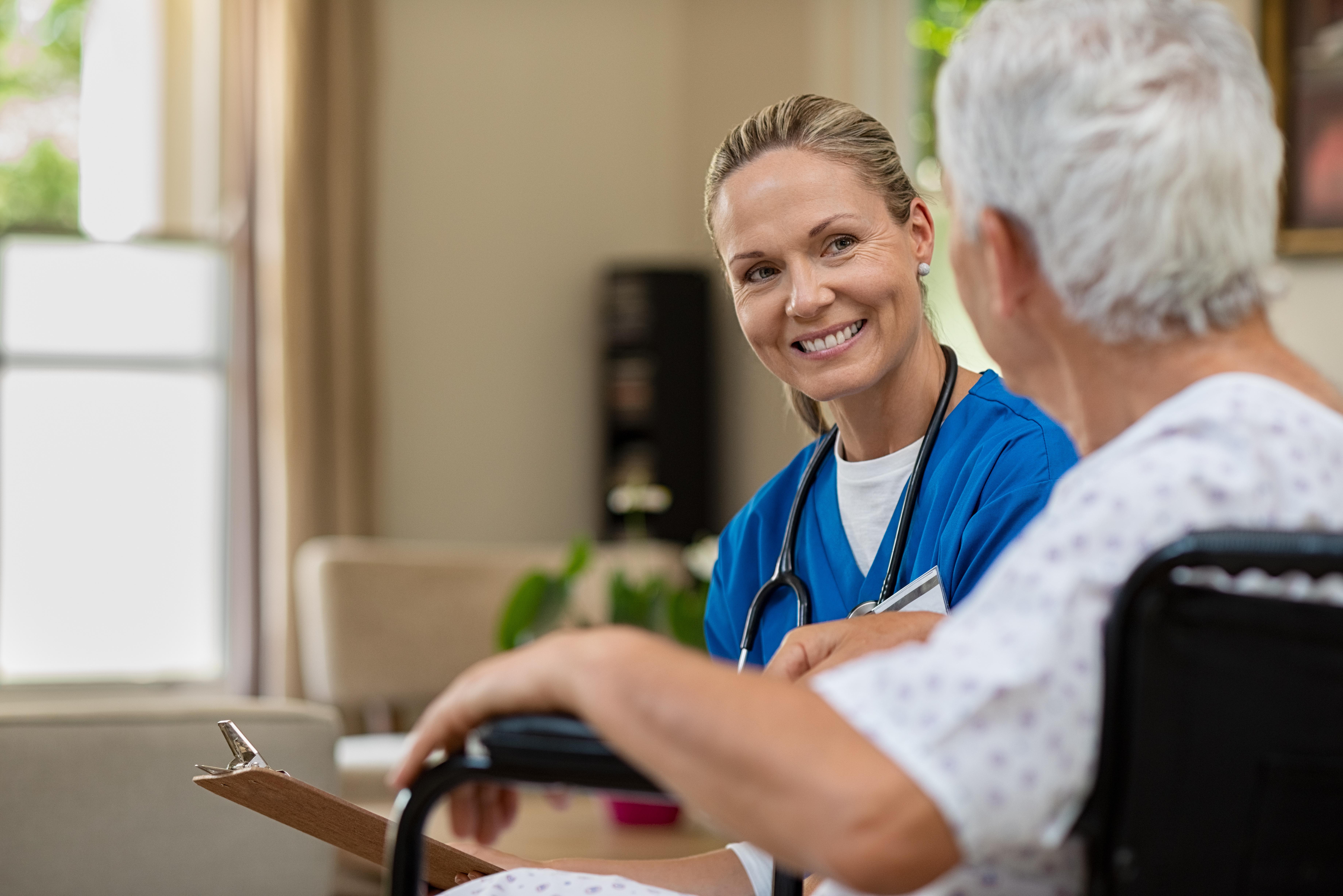 Comment trouver un infirmier libéral pour des soins à domicile